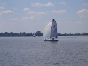 Paul Dressler mit seiner Crew auf dem Weg ins Ziel