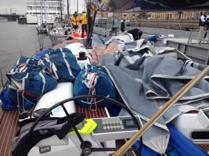 in St. Petersburg gibt es für die SGM neue Segel und damit viel Arbeit